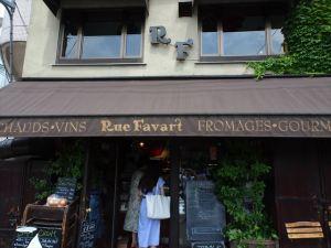 Rue Favart1